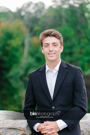 Michael_Zrzavy_Senior-Portraits_091916-6596