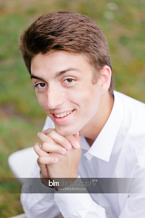 Michael_Zrzavy_Senior-Portraits_091916-6529-2