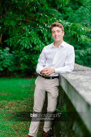 Michael_Zrzavy_Senior-Portraits_091916-6586