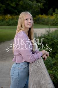 Lauren D-16