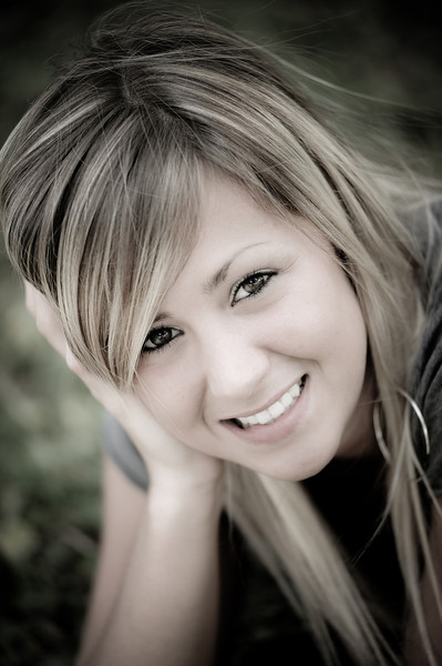 Shannon --- Senior Images