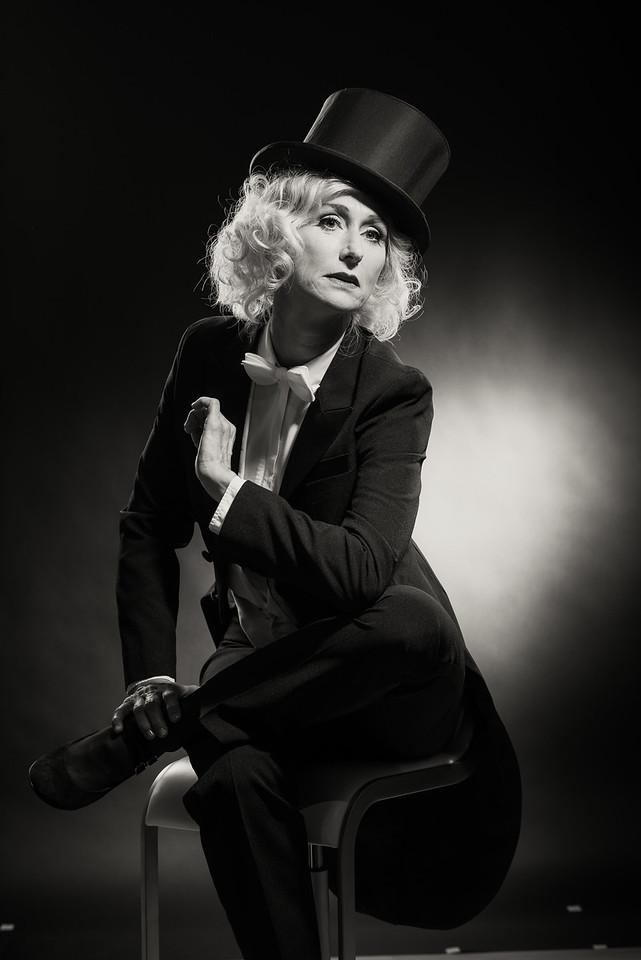 Anita-Dietrich-48