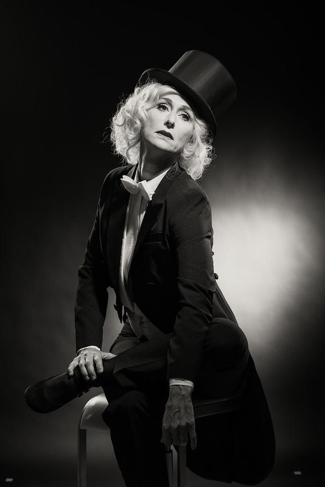Anita-Dietrich-47