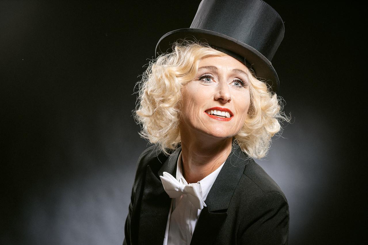 Anita-Dietrich-34