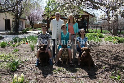 2_Simmons_family_&_dogs_JRohling_2016-04-03_EJ7A0022_lo-res