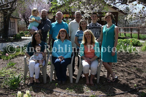 1_Simmons_family_all_JRohling_2016-04-03_EJ7A9976_lo-res