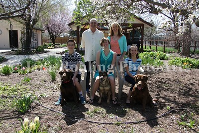2_Simmons_family_&_dogs_JRohling_2016-04-03_EJ7A0015_lo-res