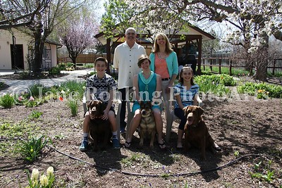2_Simmons_family_&_dogs_JRohling_2016-04-03_EJ7A0018_lo-res
