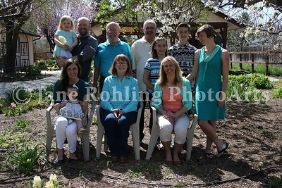 1_Simmons_family_all_JRohling_2016-04-03_EJ7A9971_lo-res