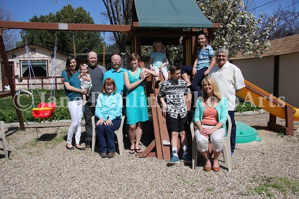 1_Simmons_family_all_JRohling_2016-04-03_EJ7A9994_lo-res