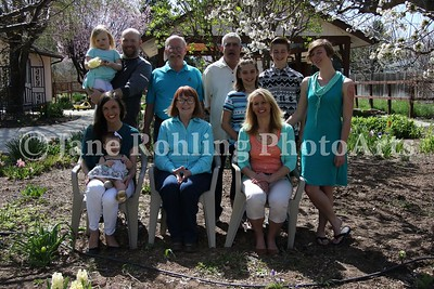 1_Simmons_family_all_JRohling_2016-04-03_EJ7A9977_lo-res