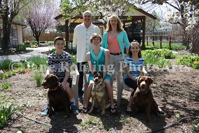 2_Simmons_family_&_dogs_JRohling_2016-04-03_EJ7A0007_lo-res