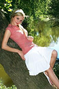 Stephanie Dewolfe 2007_0911-190a