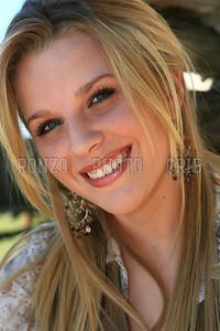 Stephanie Dewolfe 2007_0911-067