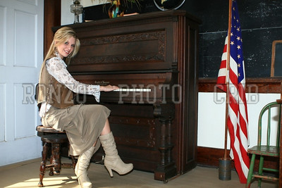 Stephanie Dewolfe 2007_0911-101