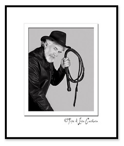 TT23_4100_031709_212110_40DT printed B&W matted framed