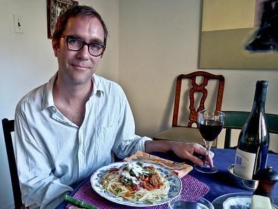 Tom Stoelker, arts journalist and photographer