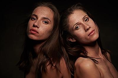 Victoria & Elisa