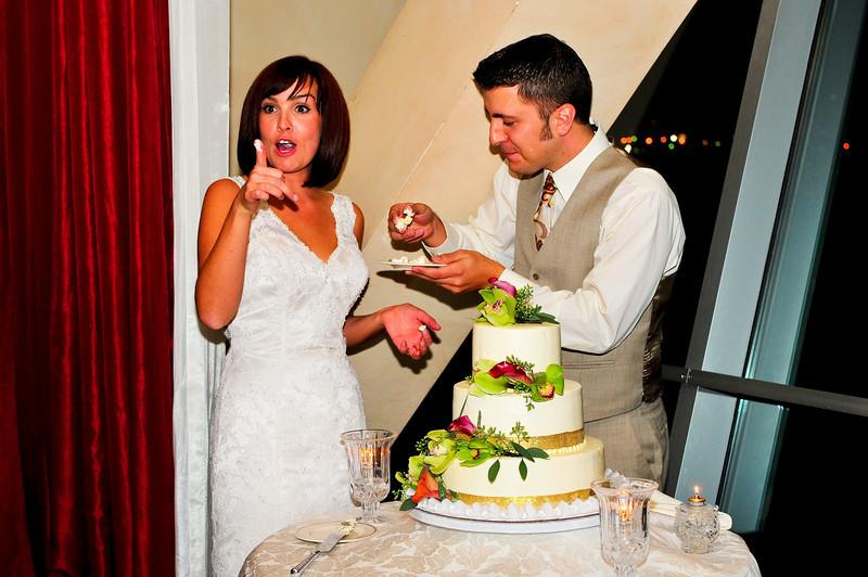Hmmmm.... Good cake!