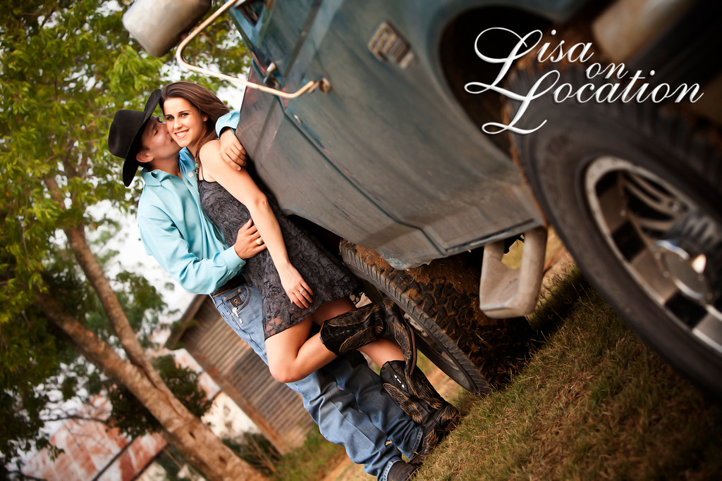 Lisa on Location provides family and wedding portrait photography for Bastrop, New Braunfels, San Antonio and surrounding cities.