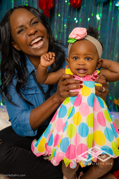 Zoey's 1st Birthday-08504