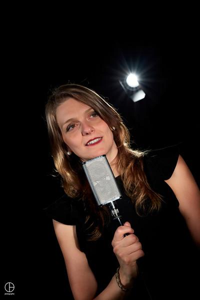 Alice - chanteuse