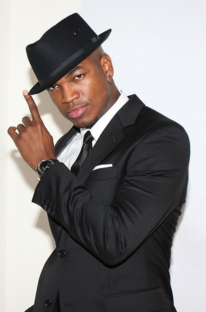 89653420JC018_Ne_Yo_And_Alf