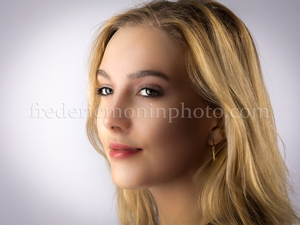 Shooting in the studio with Hannah