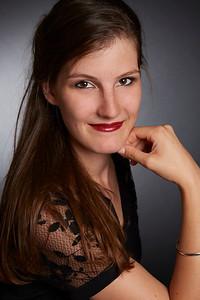 Blandine, Singer (Chanteuse)