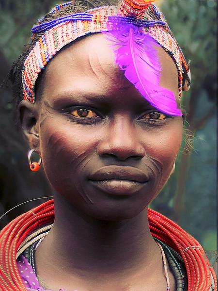 Hermosa mujer Toposa con escarificaciones en el rostro. Equatoria del Este. Sudan del Sur