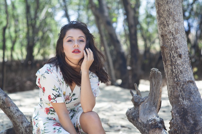 Adriana 4