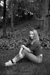 Rachel SeniorPhotographs 20160416 194845-2