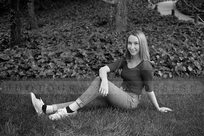 Rachel SeniorPhotographs 20160416 194808-2-2