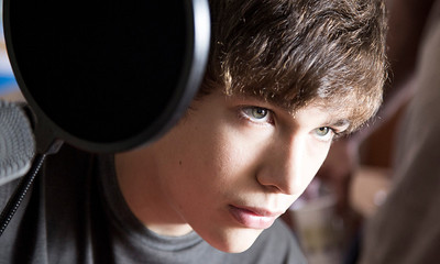 Austin Mahone Agency: Young & Rubicam Mexico Client: Hot Nuts