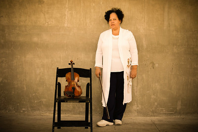 Dr. Lesa Terry, violinist