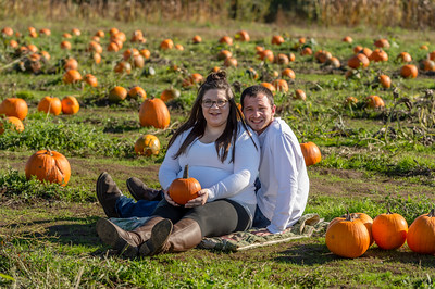 Rebecca and Jake Maternity Session 0240