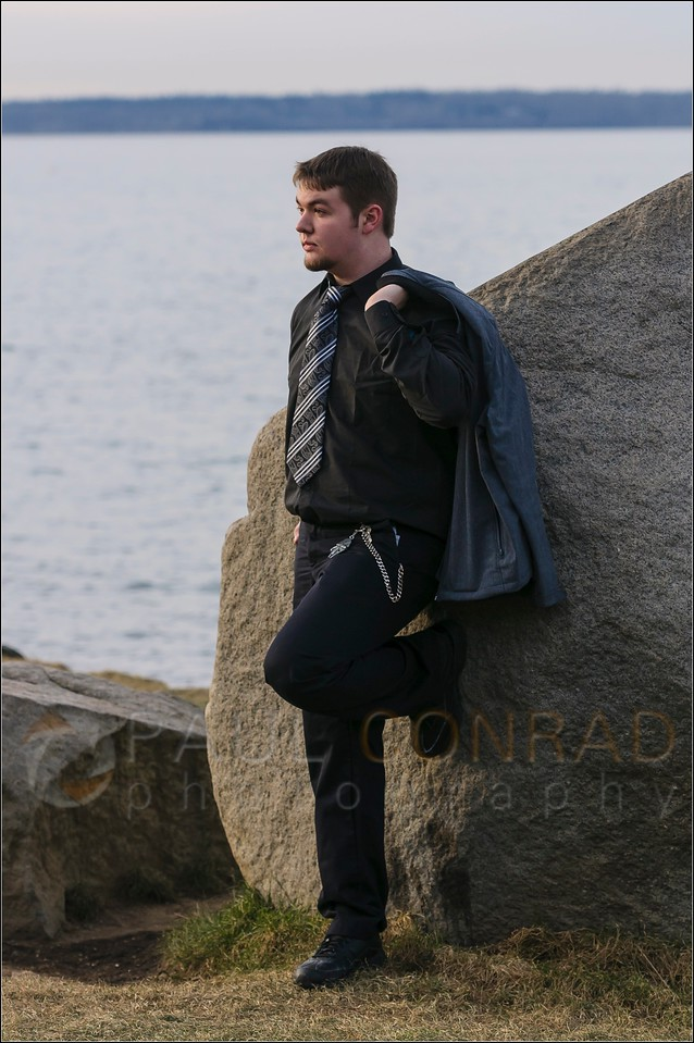 Damian at Boulevard Park- Senior photo session with Damian on Saturday afternoon Jan, 14, 2017, at Boulevard Park in Bellingham, Wash. (© Paul Conrad/Paul Conrad Photography)