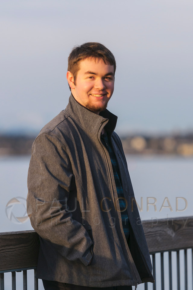 Damian at Boulevard Park - Senior photo session with Damian on Saturday afternoon Jan, 14, 2017, at Boulevard Park in Bellingham, Wash. (© Paul Conrad/Paul Conrad Photography)