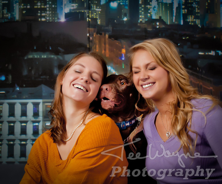 The Wilson sisters & Kodi at TeeWayne Photography The Wilsons