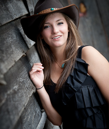 Mande - Senior Portraits, Cary Senior Portrait Photographer, TeeWayne Photography