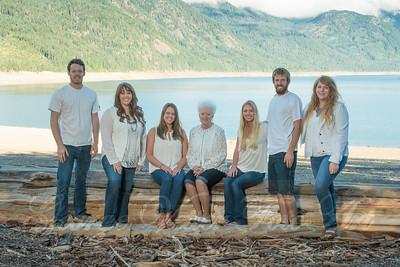 Salazar-Family-272-2