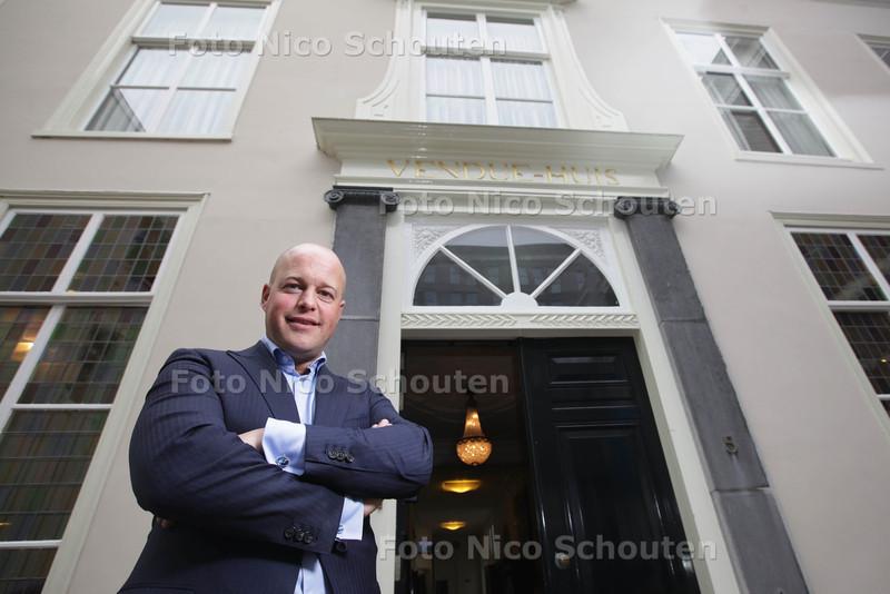 Jochem Agterberg, (veiling) makelaar voor het Vendue-huis - DEN HAAG 10 APRIL 2013 - FOTO NICO SCHOUTEN