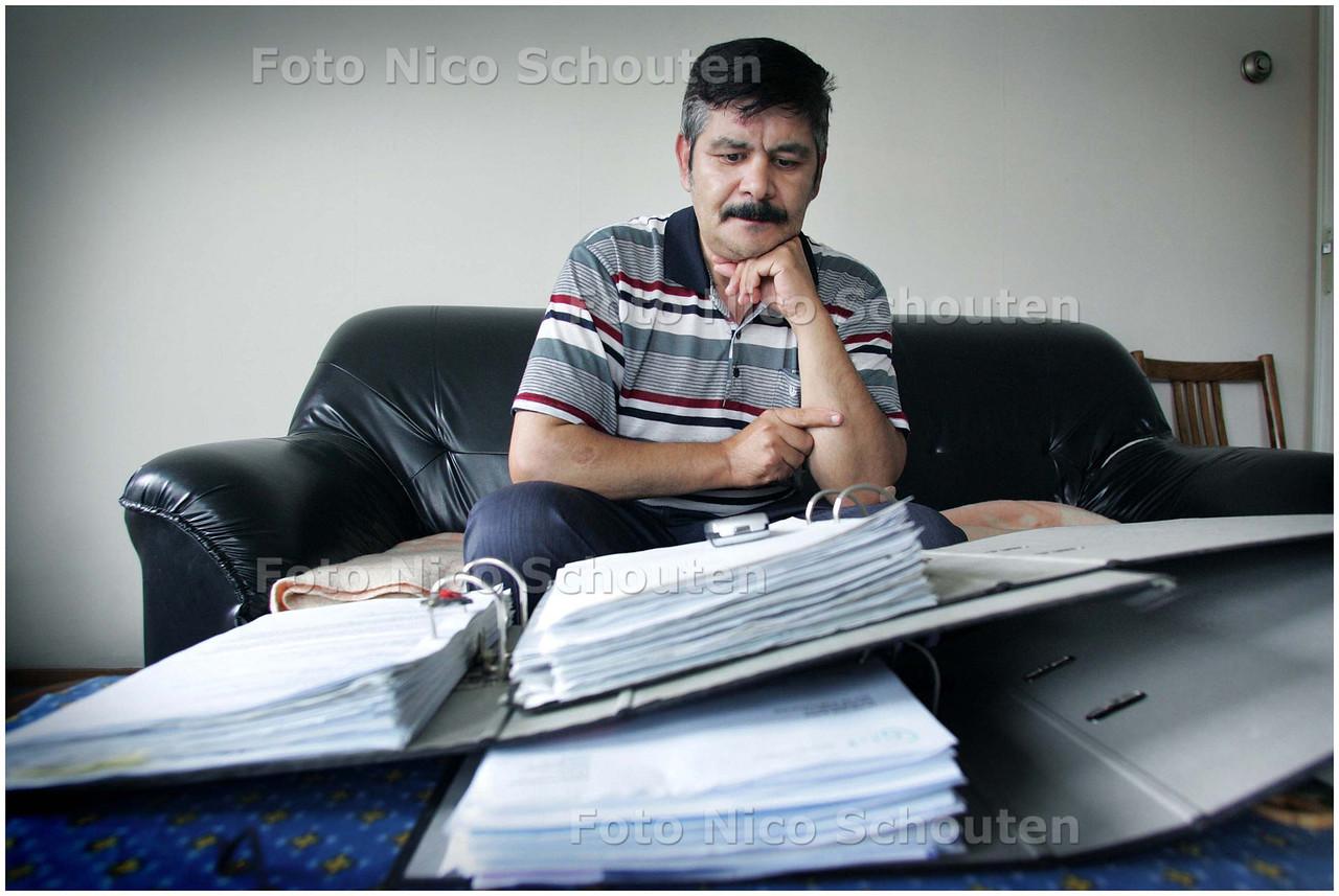 AD/HC - de ernstig zieke meneer soltani doet al jaren pogingen om zijn vrouw uit Turkije naar Nederland te laten overkomen - DEN HAAG 28 AUGUSTUS 2008 - FOTO NICO SCHOUTEN