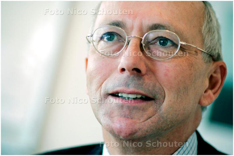 AD/HC - ROEL NEERBOS, voorzitter raad van bestuur Bronovo - DEN HAAG 15 MAART 2006 - FOTO NICO SCHOUTEN
