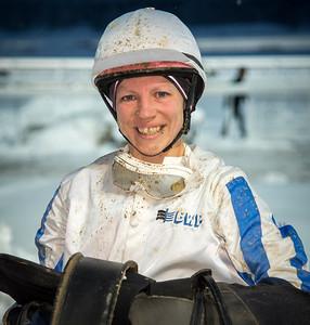Therese Gustafsson tog första segern som lärling Bro Park 161211  Foto: Elina Björklund / Svensk Galopp