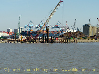 Liverpool 2 Container Terminal Construction Work - April 18, 2015