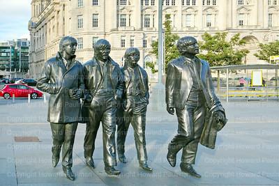10_July_2017_946_Beatles_Statue_Liverpool_UK