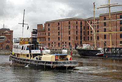 11_July_2017_982_The_Danny_Enters_Canning_Dock_Liverpool_UK