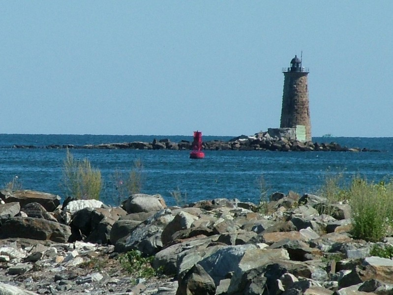 Whaleback Lighthouse - New Castle, NH