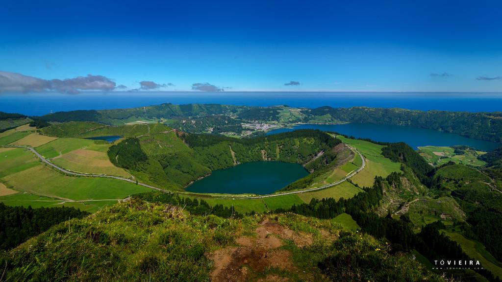Lagoa Rasa e ao fundo a Lagoa das 7 cidades, Miradouro da grota do inferno. S  Miguel, Açores